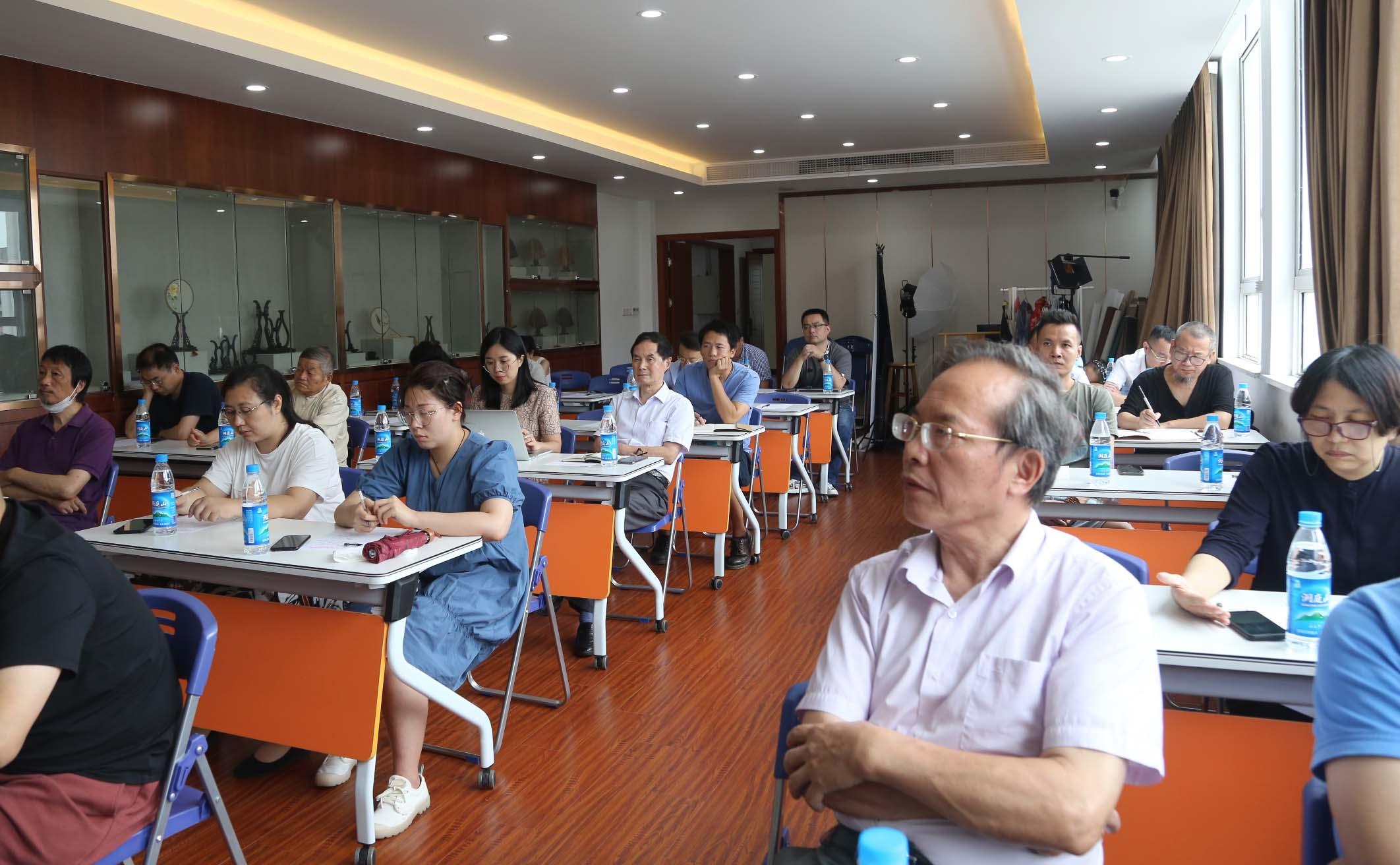 第十一屆江蘇工藝美術精品博覽會、2020中國(蘇州)工藝美術精品博覽會展覽情況通報會召開(圖2)